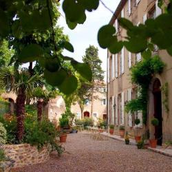 Saint-Martin-de-Villereglan فندقان