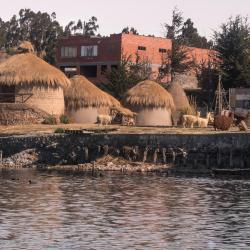Huatajata 1 hotel