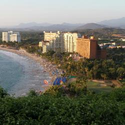 Ixtapa 3 golf hotels