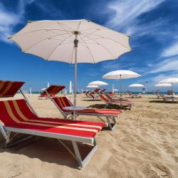 Fogliano Marina 5 hotels