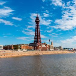 Blackpool 17 hotels with a jacuzzi