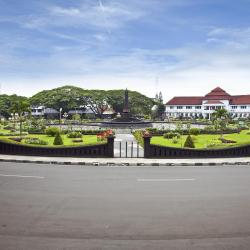 Malang 3 hotels with a jacuzzi