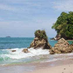 Manuel Antonio 67 family hotels