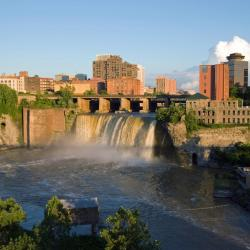 Rochester 5 hotels with a jacuzzi