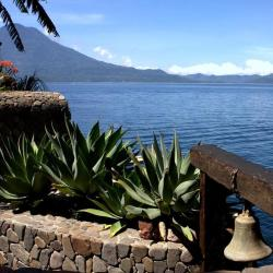 Santa Cruz La Laguna 3 B&Bs