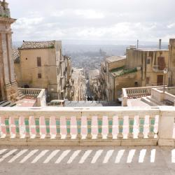 Caltagirone 118 hotels