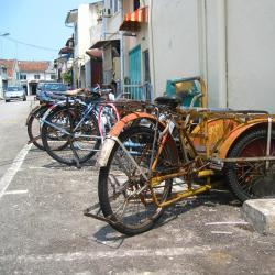 Kampong Tanjong 3 hotels