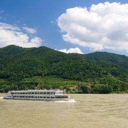 Nojštat an der Donau 6 hotela