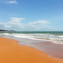 Jacaraípe 3 beach hotels