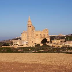 Għarb 57 hotels
