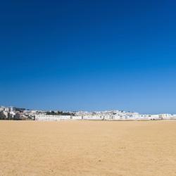 Fnidek 16 hotel vicino alla spiaggia.