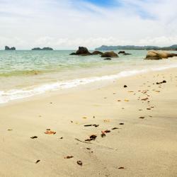 Pantai Kok 12 hotels