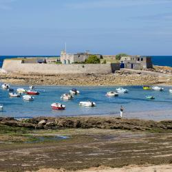 Le Fort-Bloqué 6 hotels