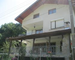 Къща за Гости Добреви