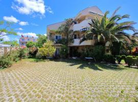 Apartments Villa Rudi, vacation home in Bibinje