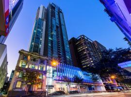 Oaks Brisbane on Charlotte Suites, hotel near Brisbane Central Station, Brisbane