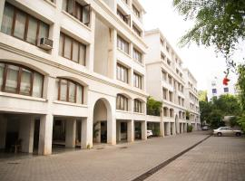 Hermitage Suites Koregaon Park Garden & Terrace Room, self catering accommodation in Pune