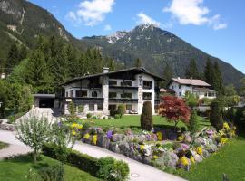 Frühstückspension Rofangarten, budget hotel in Maurach