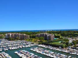 Cannes Marina Golf, apartment in Mandelieu-La Napoule