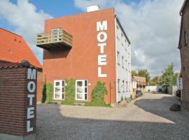 Motel Apartments