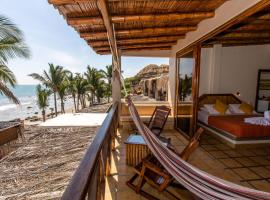 Casa de Playa Bungalows & Restaurant