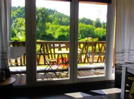 Studio Le Vedeur avec balcon vue sur rivière, apartment in Durbuy