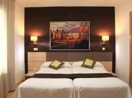 Hostal Falfes, hotel in Madrid