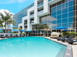 Sawgrass Grand Hotel and Suites Sports Complex