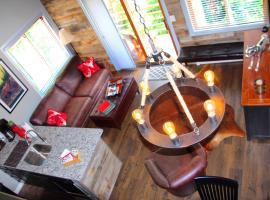 Breck Creekside at Wildwood Suites, pet-friendly hotel in Breckenridge