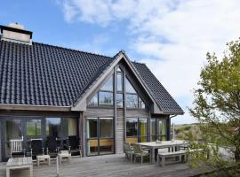 Boutique Villa in Vlieland with Sauna, pet-friendly hotel in Oost-Vlieland
