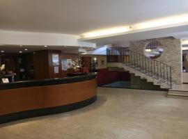 Hotel Kristall, hotel in San Massimo