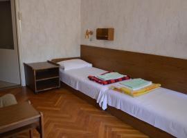 Edina apartman, hotel Balatonlellén