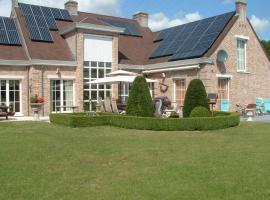B&B Bij Lieve en Jos, hotel with pools in Hasselt