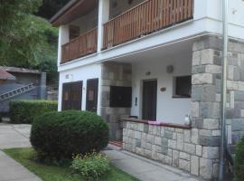 Pereszlényi Vendégház, hotel in Visegrád
