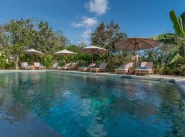 Royal Retreat Villa's Lembongan, hotel in Nusa Lembongan