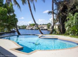 Waterfront | Pool | Paddleboards | Tiki Hut