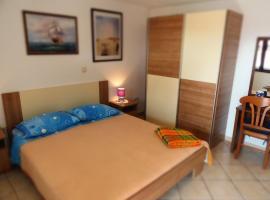 Apartment Noemi, room in Medulin