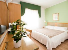 Hotel Touring, отель в Пизе