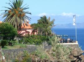 Inn & Art Madeira, hotel no Caniço