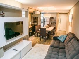 Apartamento na Meia Praia com Videogame, Ar e Tv com Netflix na Sala e Quartos - bem mobiliado, apartment in Itapema