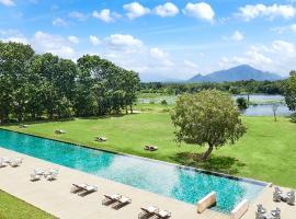 Jetwing Lake, hotel in Dambulla