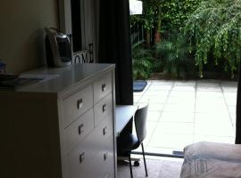 Parnell one bedroom with ensuite