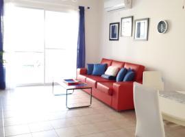 Cozy 2 bedroom apt with Pool, free Wi Fi, near Sea