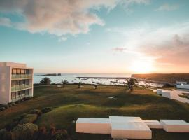 Memmo Baleeira - Design Hotels, spa hotel in Sagres