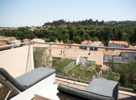 Les Suites du Saint Nazaire - Les Balcons de la Cité, hotel with jacuzzis in Carcassonne