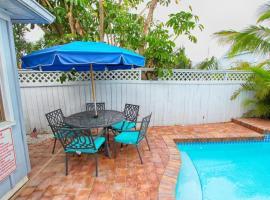 Coconut Beach House, hotel near 7venth Sun Brewery, Clearwater Beach