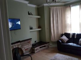 Flat 1, 1 cameron rd croydon