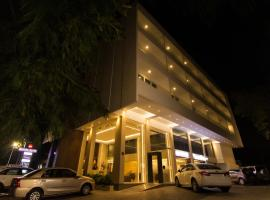 Roopa Elite, hotel with pools in Mysore