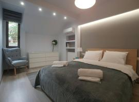 Luxury & Modern Apartment In Kolonaki, hotel near Lycabettus Hill, Athens