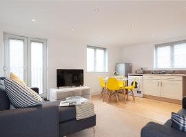 ✪ Ideal Colchester ✪ Serviced Treeview Apartment - 2 Bed Perfect for A12/Nightlife/Colchester Town Centre/Colchester Hospital ✪